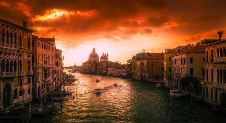 Maxi Italy Tour
